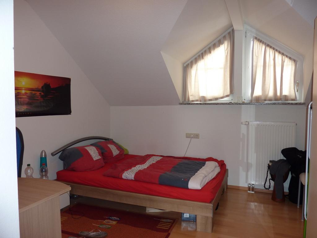 Wohnbereich küchenzeile schlafzimmer badezimmer
