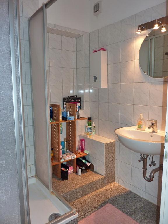 1 wg zimmer in sch n renovierter 3 zimmer wohnung in weingarten zu fu zur fh ph. Black Bedroom Furniture Sets. Home Design Ideas