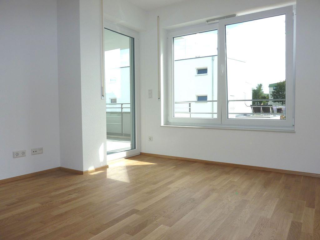 neubau erstbezug 2 zimmer wohnung mit balkon in guter. Black Bedroom Furniture Sets. Home Design Ideas