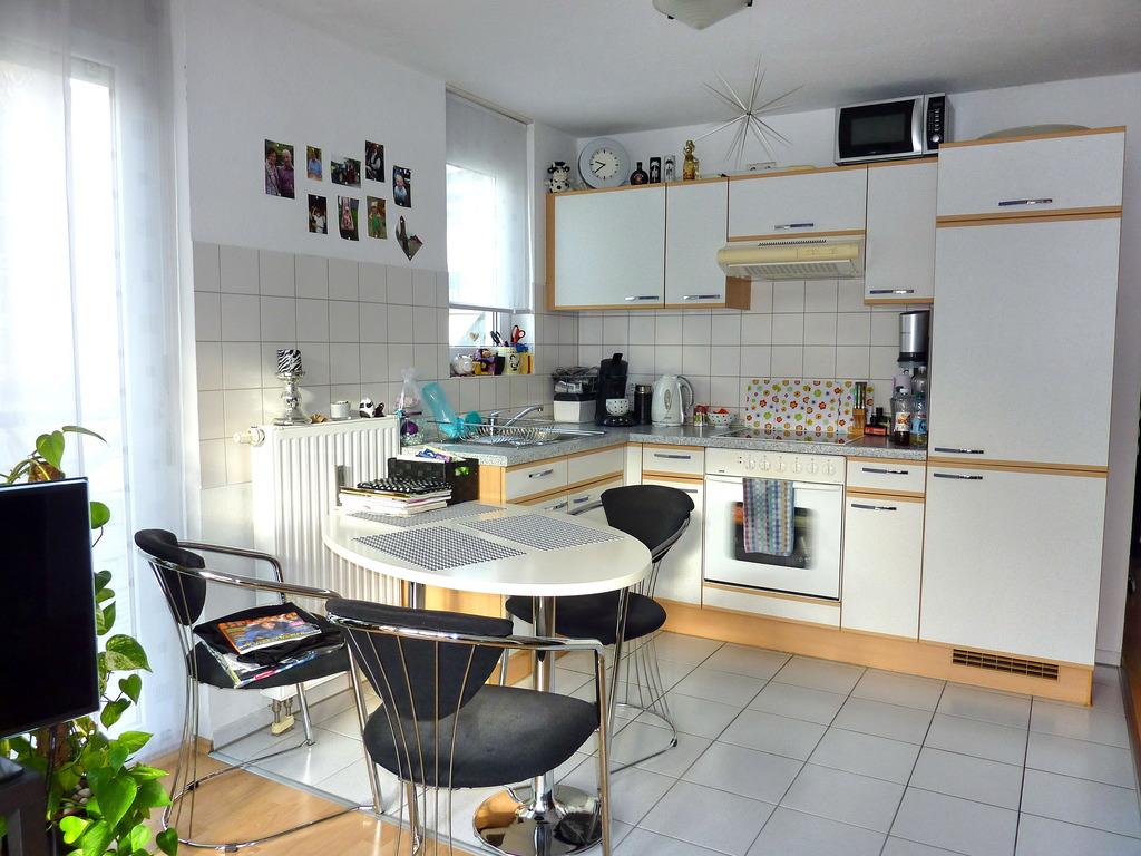 chice 2 zi maisonette wohnung mit gro er dachterrasse. Black Bedroom Furniture Sets. Home Design Ideas