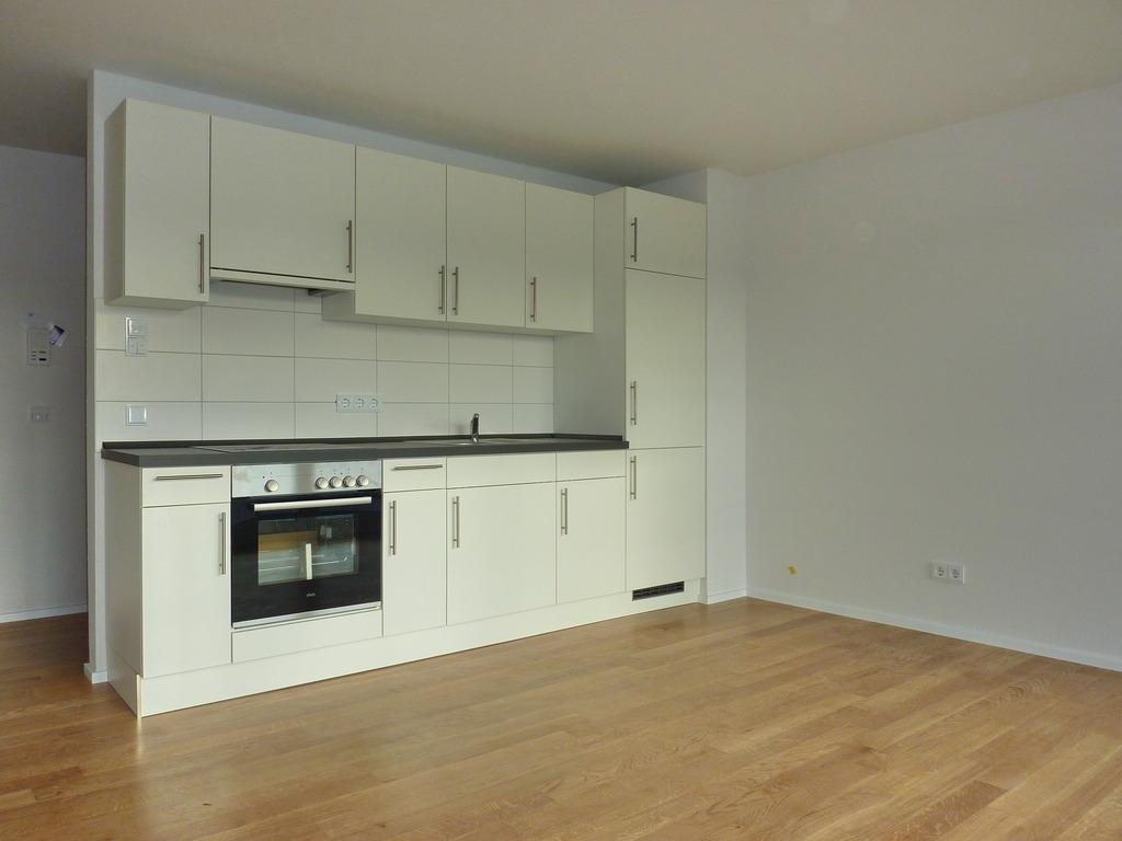 2 wg zimmer in 4 zi neubau wohnung zu vermieten gute stadtlage in weingarten ideal f r. Black Bedroom Furniture Sets. Home Design Ideas