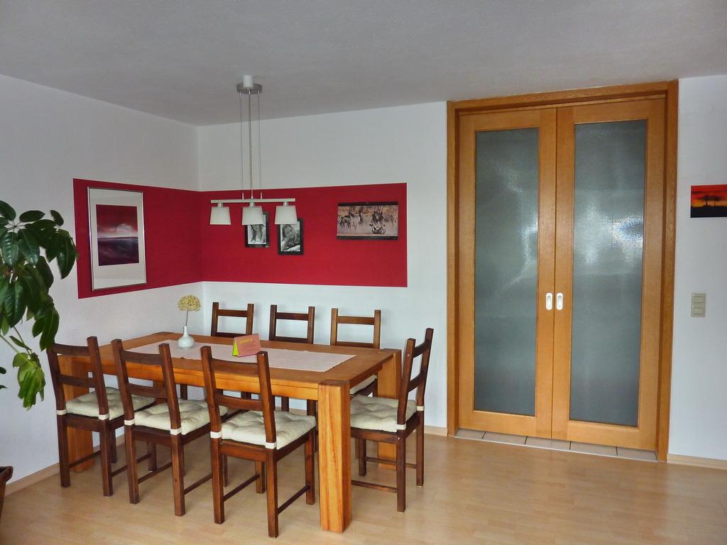 Sehr Gepflegte 2 ½ Zimmer Wohnung Mit Balkon In U201egrüneru201c Top .