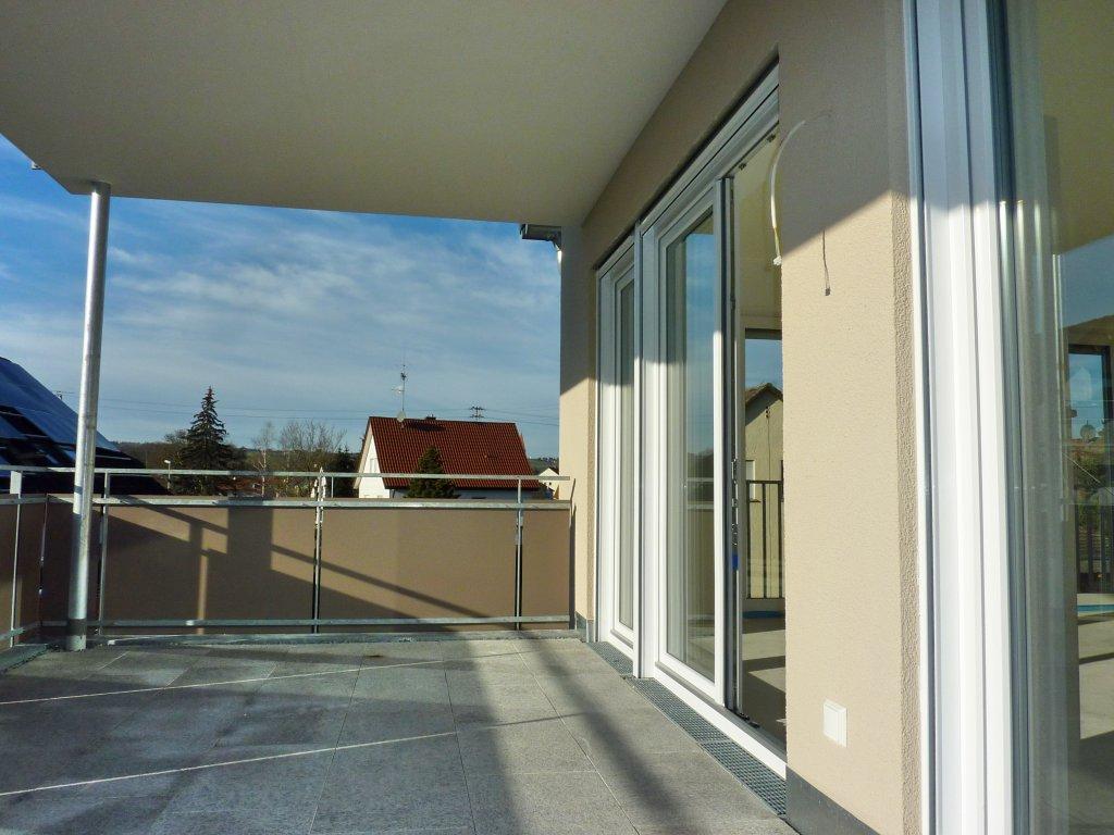 neubau modern und komfortabel 4 zimmer wohnung mit sehr gro em balkon wohnungen ah das. Black Bedroom Furniture Sets. Home Design Ideas