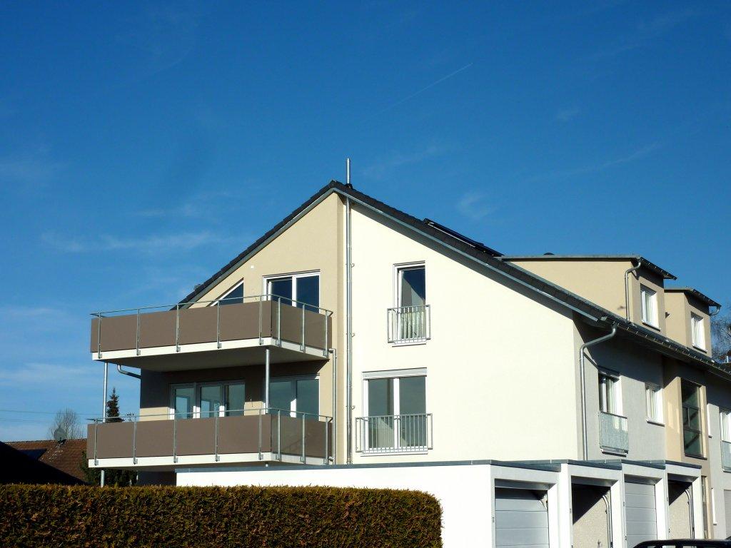 neubau modern und komfortabel 4 zimmer wohnung mit sehr gro em balkon suche ah das. Black Bedroom Furniture Sets. Home Design Ideas