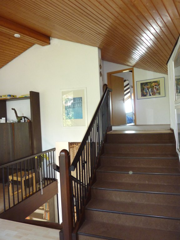 gro es haus mit doppelter bergsicht top wohnlage mit fernsicht in berg weiler halde. Black Bedroom Furniture Sets. Home Design Ideas