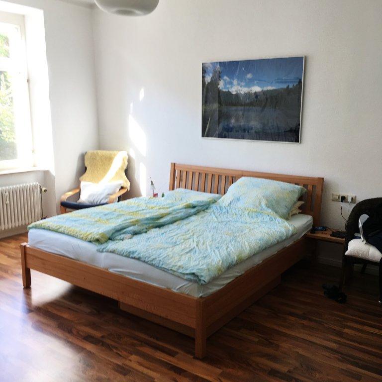 charmant ger umig 2 zi wohnung in einem stilvollen altstadthaus in ravensburg wohnungen. Black Bedroom Furniture Sets. Home Design Ideas
