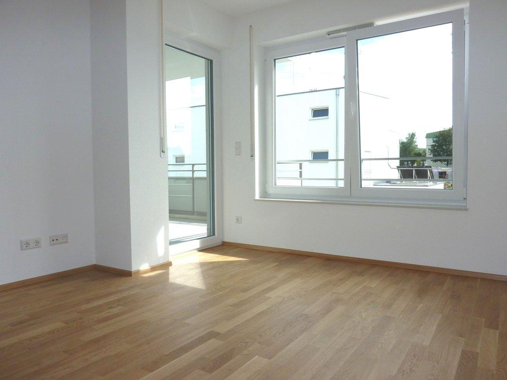 neuwertige 2 zi wohnung mit balkon in guter innenstadtnaher lage von weingarten wohnungen. Black Bedroom Furniture Sets. Home Design Ideas